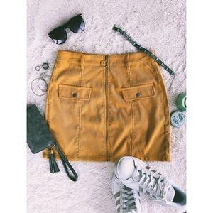 O-ring front zip skirt
